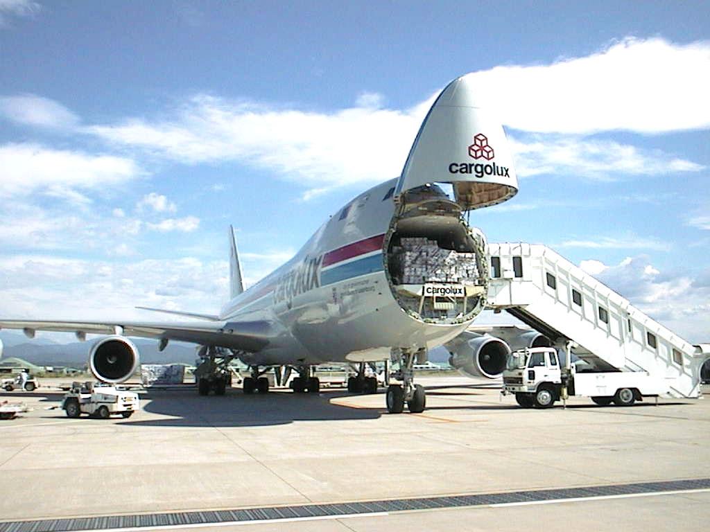 Máy bay chuyên chở hàng hóa