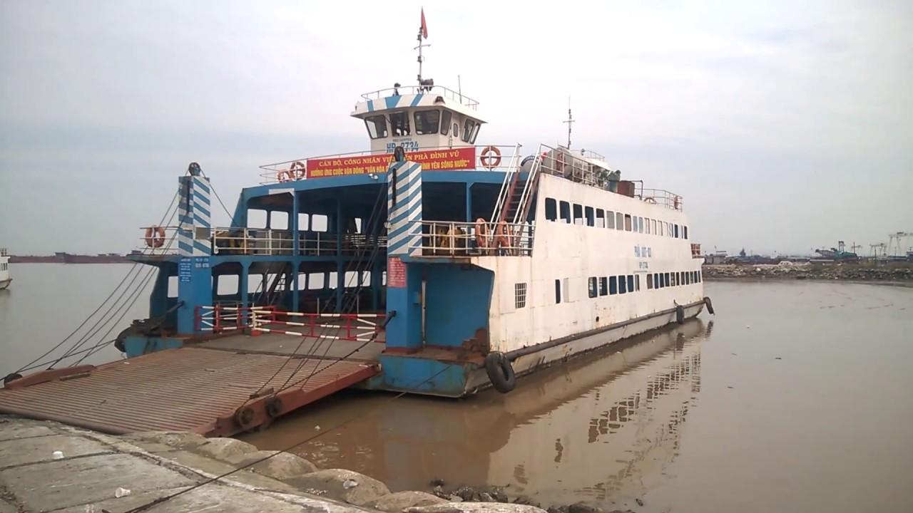 Phà tại cảng Đình Vũ Hải Phòng